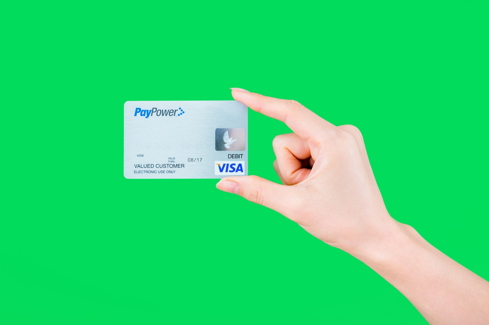 クレジットカードを安全に破棄する方法は?忘れがちなポイントを最終チェック!