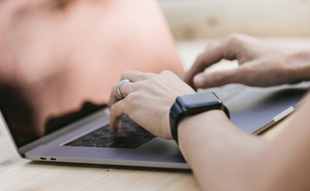 PCで簡単に出来る5つの副業|スキマ時間に自宅で稼ごう!